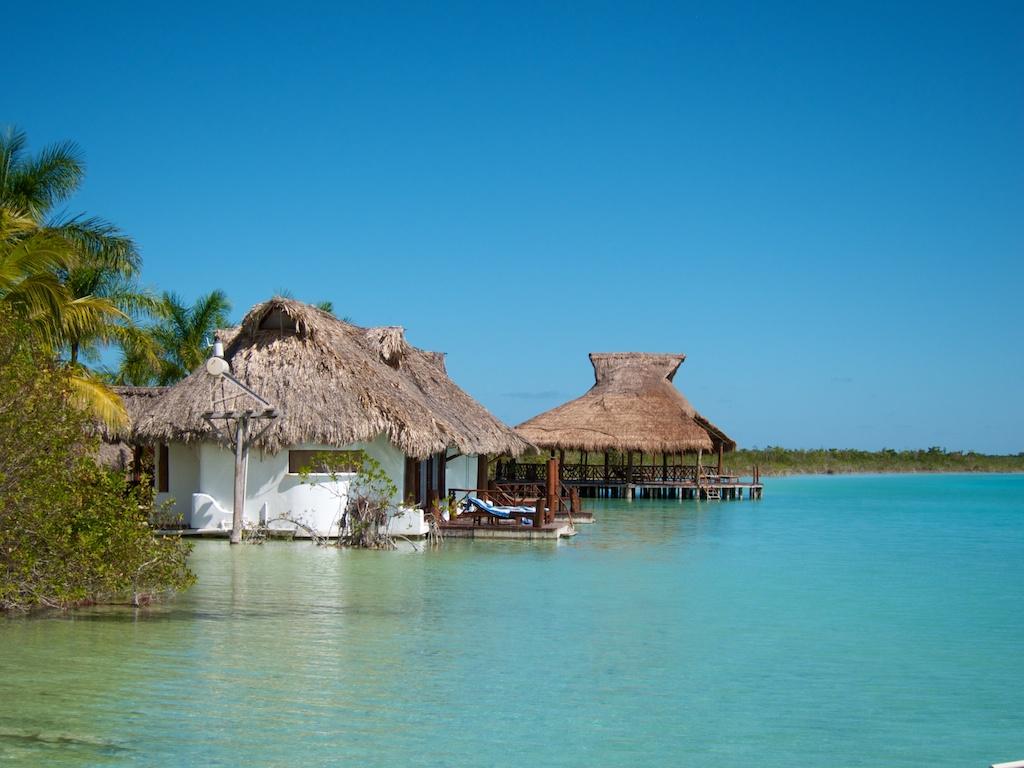 Laguna bacalar top travel spot for Hotel luxury en bacalar