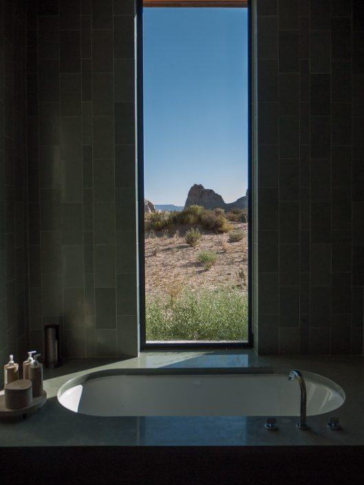 Amangiri bath tub
