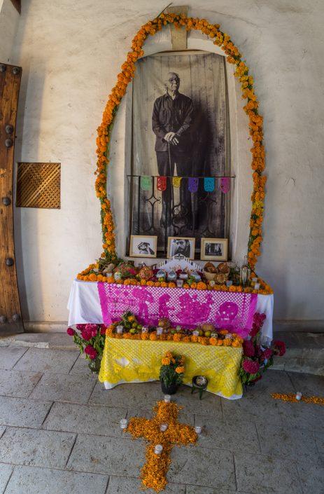Alvarez Bravo altar