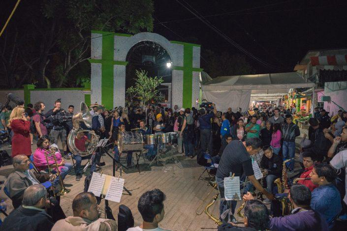 Dia de Muertos, Xoxocotlan cemetery, town band